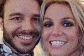 Britney Spears presenta a su nuevo novio